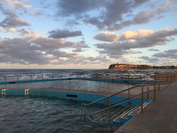 praia com piscina